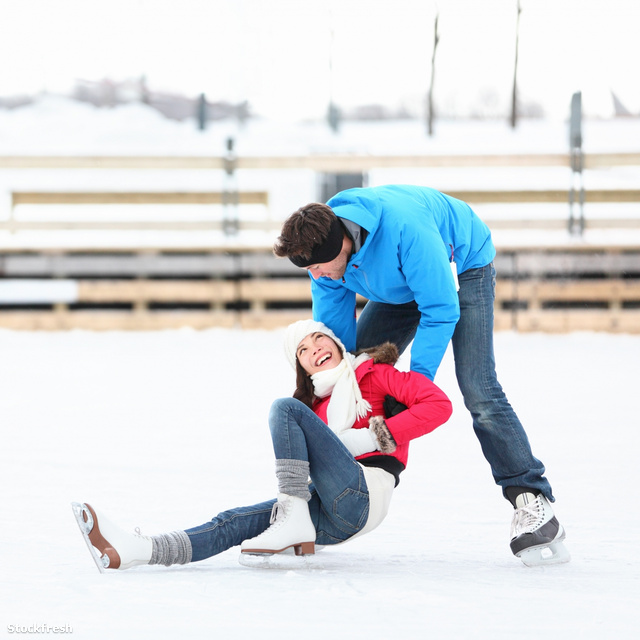 76709dbcd3 stockfresh 1485443 ice-skating-couple-winter-fun sizeM