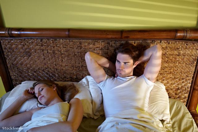 az álmatlanság fogyást okozhat