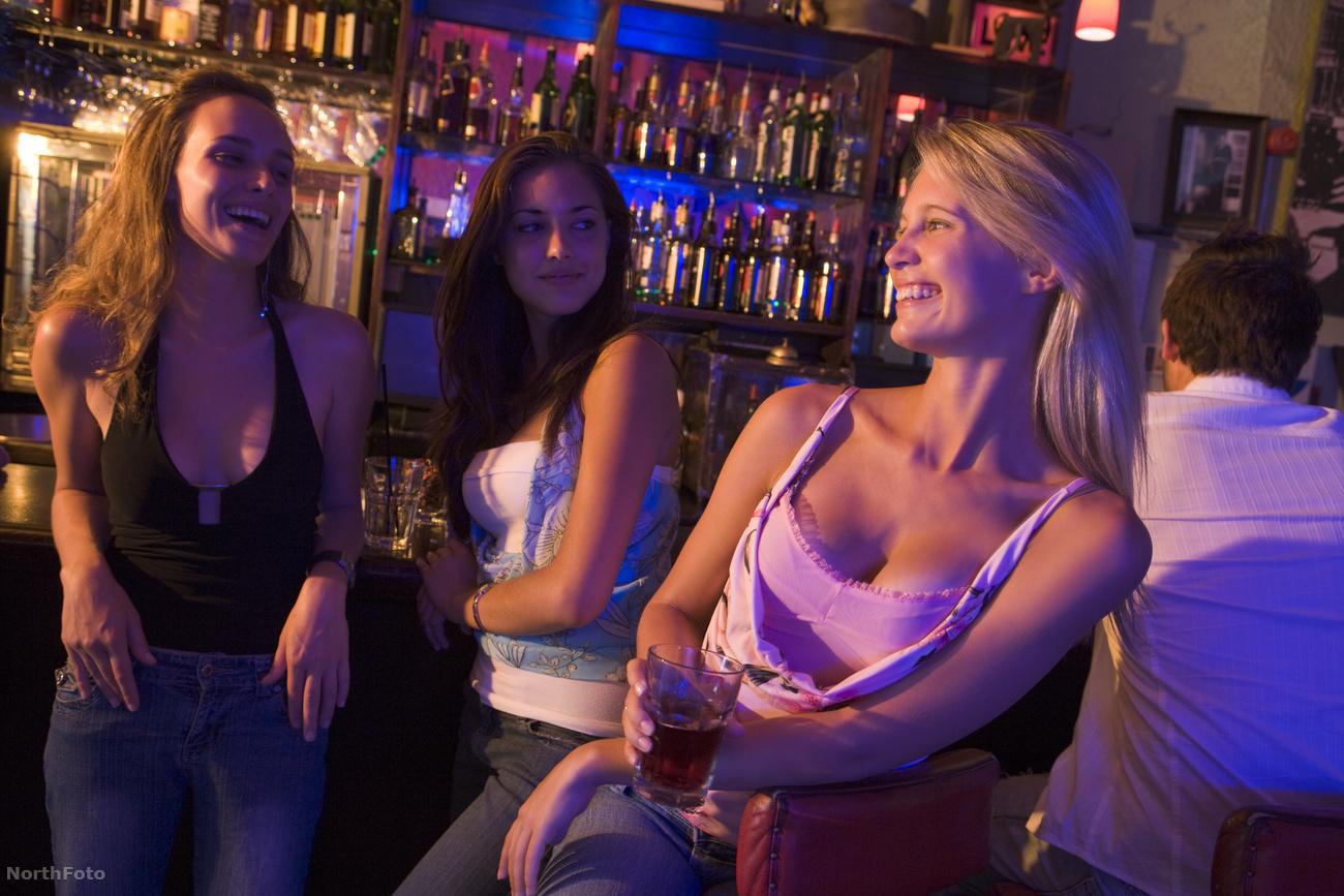 Уединились в клубе, На Вечеринке Уединились (найдено 81 порно видео.) 6 фотография