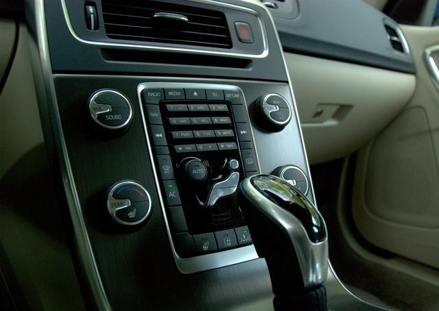 Totalcar Tesztek Volvo V60 D5 Awd Momentum Polestar
