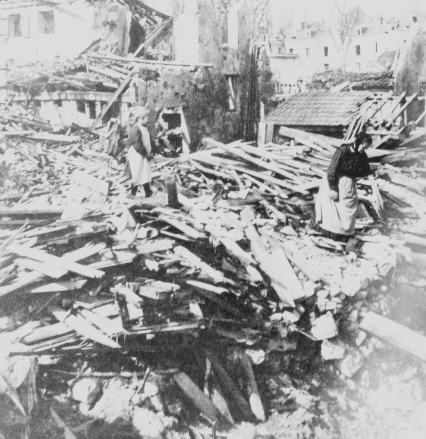 Belleau városának romjai. Bár az első világháborút sokszor a nagy háborúnak is nevezik, valójában a becslések szerinti 16-40 millió áldozattal járó időszak közel sem a legpusztítóbb háború az emberiség történelmében. Abban egyetértenek a történészek, hogy a második világháború 60-85 millió halottja áll a lista első helyén, de aztán több háború is van, ahol akár 30-60 millió embert is elpusztíthatott. A mongol hordák például legalább ennyi embert irtottak ki, de a Csing és a Ming dinasztiák közti harcba is belehaltak vagy 25 millióan, az 1937 és 1945 között vívott második kínai-japán háború pedig 20 millió áldozatot követelt.