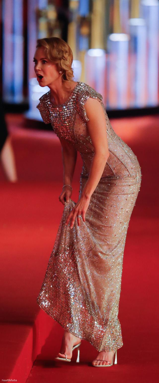 Nicole Kidman a Sanghaji Filmfesztiválon nagyon érdekes arckifejezéseket produkált