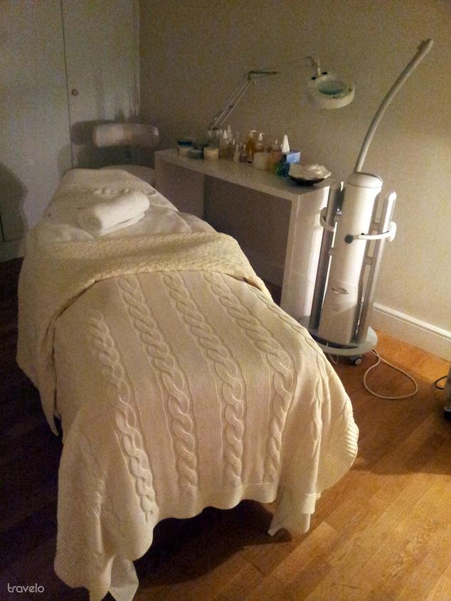 Az előmelegített ágy a kezelőben