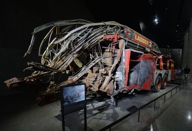 Tűzoltóautó megmaradt roncsa