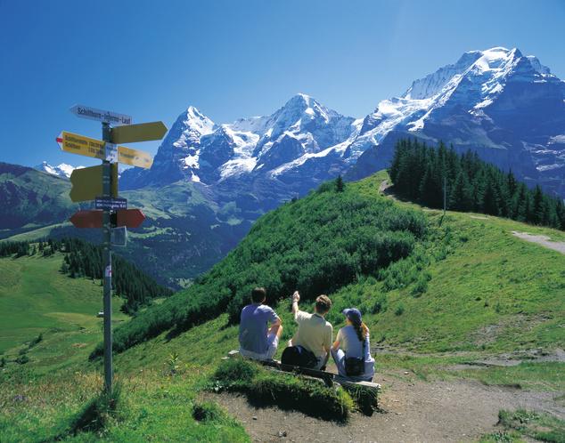 Szintén kedvelt túracélpont a Jungfrau, mely az azonos nevű masszívum legmagasabb csúcsa, magassága 4158 méter.
