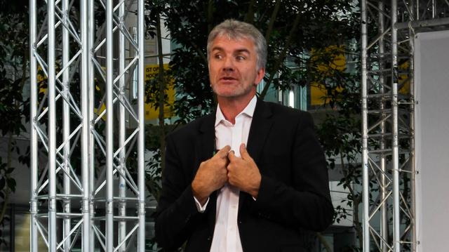 Mark Adams vezeti az Opel Design Studiót