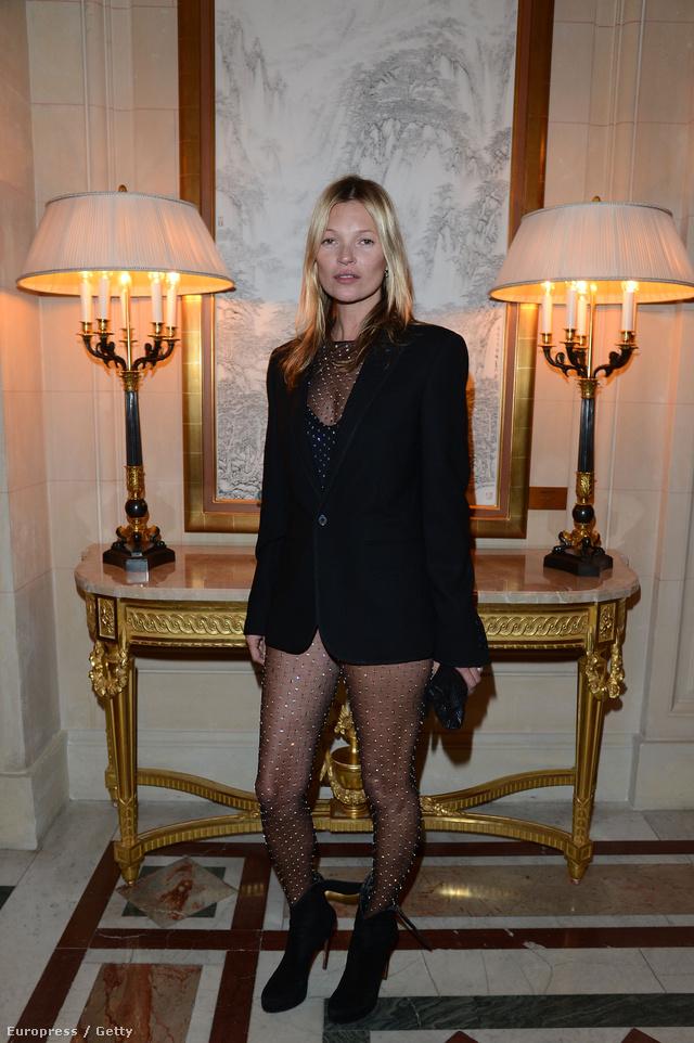 Kate Moss már jó ideje beszerezte a Saint Laurent harisnyát