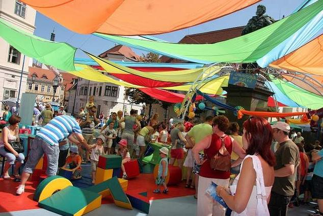 Színes programok és színes díszletek is lesznek Győrben a hétvégén