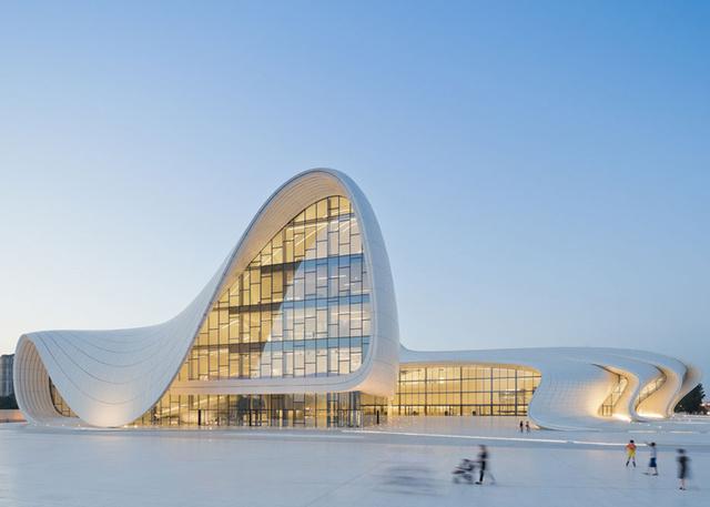 Zaha Hadid legújabb kultúrális központja Azerbajdzsánban