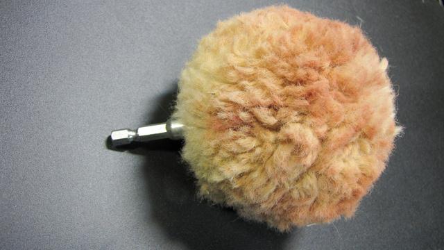 Ezzel a fúrógépbe fogható fejjel a rosszul hozzáférhető helyekre is be lehet nyúlni