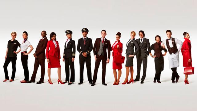 Szeptembertől több légitársaság dolgozója is irigykedhet majd a Richard Branson kezében lévő Virgin Atlantic légitársaság új formaruháira.