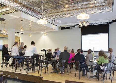 Az irodát a New Yorkból Dublinba költözött tervezőpáros, Shih-Fu Peng és Roisin Heneghan , azaz a Heneghan Peng Architects készítette.