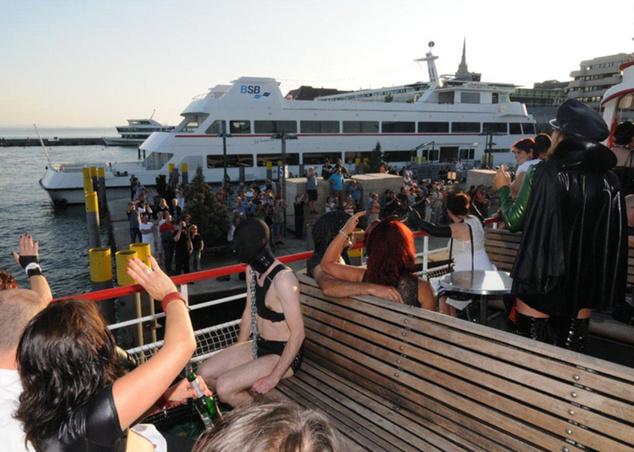 A Torture Ship továbbra is hajóztatja a latexrajongókat