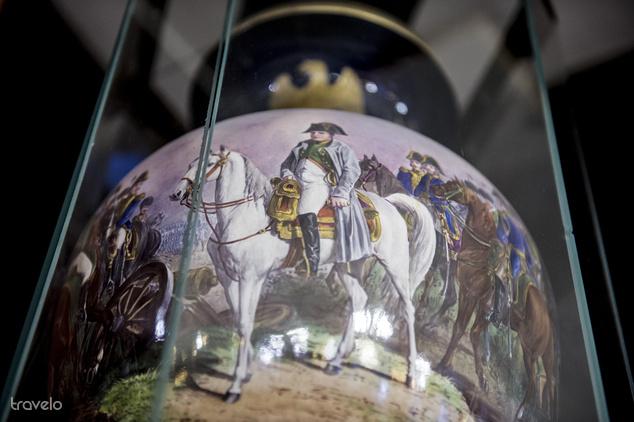 Az egykori tulajdonos Unger-család ajándéka volt a híres Napóleon-váza