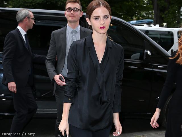 Emma Watson Giambattista Valli bemutatóján tökéletesen festett.
