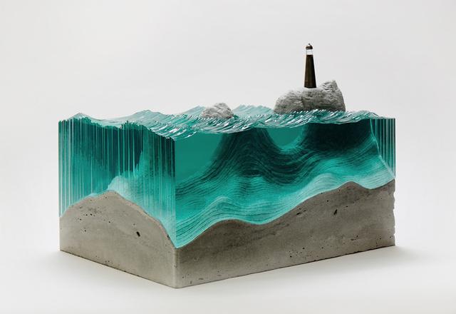 Persze nem Klassen az egyetlen, aki fantáziát látott az üvegben, hasonló elképzelései vannak ugyanis a szörf és gördeszka mániás autodidakta művésznek, Ben Youngnak is.