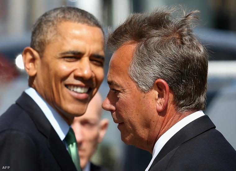 Barack Obama amerikai elnök és John Boehner, a képviselőház republikánus elnöke.Boehner szerint Obama túlterjeszkedett a hatáskörén.