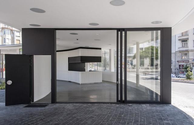 A Móricz Zsigmond körtéri műemléki védettségű Gomba tervpályázatát a Hetedik Műterem nyerte el,akiknek munkáját részletesen bemutatta a napokban az archdaily.com szerkesztősége is.