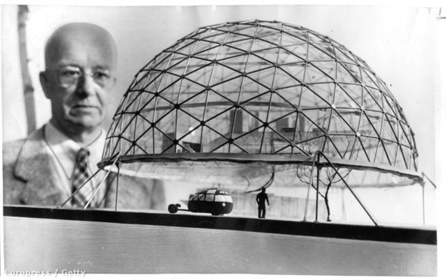 """A napokban ünnepelte volna 118. születésnapját a fenntarthatóság atyjaként ismert Buckminster Fuller, """"Bucky"""", aki a huszadik század egyik legnagyobb hatású formatervezője, építésze, feltalálója és matematikusa volt egyben."""