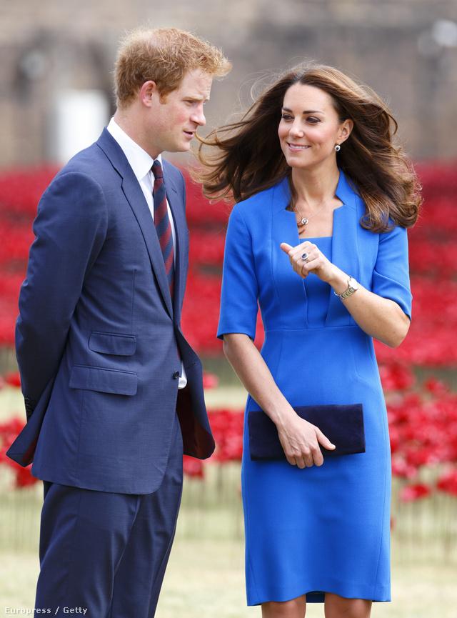 """És nagy meglepetésünkre a mindig csinos Katalin hercegné és a """"Dicsőség csarnokában """" landolt idén."""