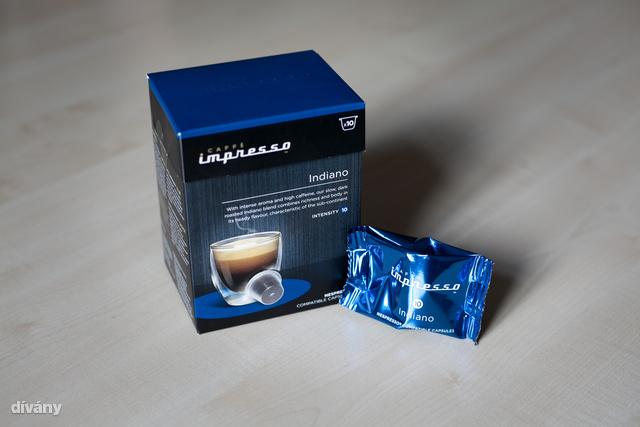 Intenzív aromájú, magas koffein tartalmú arabica és robusta keverék. a lassan sötétre pörkölt szemeknek köszönhetően az Indianoban egyesül a szubkontinentális jellegzetességű testesség és mámorító íz-gazdagság.