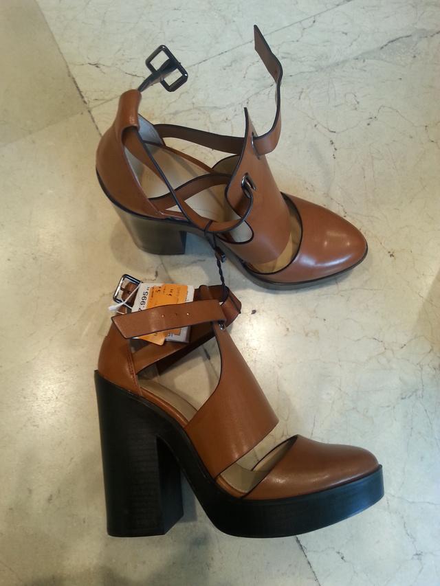 Zara, 17995 helyett 3995 forint.