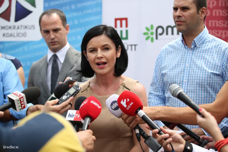 Kunhalmi Ágnes a pártok közös szerdai sajtótájékoztatóján