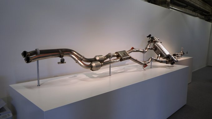 Here's the exhaust system in its entirety, constructed as straight and smooth-flowing as possible.