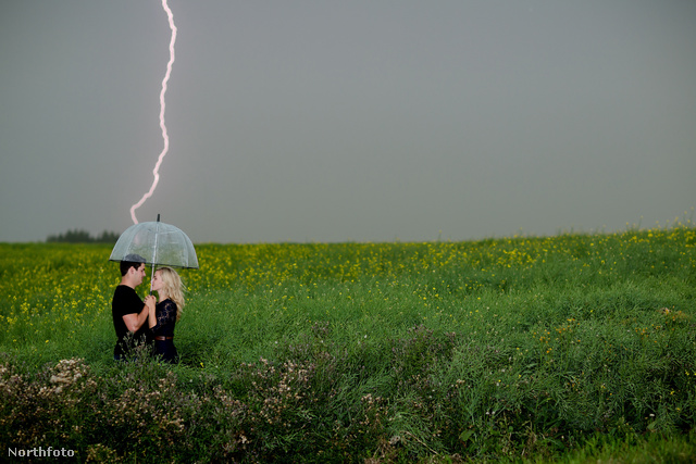 tk3s medavia lightning engagement 01