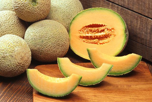 1280px-Cantaloupes  Scott Bauer USDA