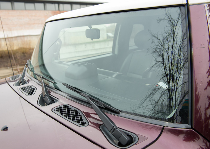 The extra wide windscreen comes with three wipers