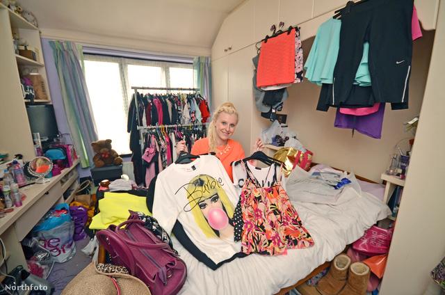 Lisa Harman rengeteget vásárol. Eddig 50 ezer fontot, 20 millió forintot vert el ruhákra.