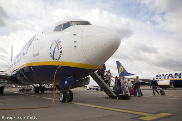 A Ryanair járataira mostantól PayPallel is lehet jegyet venni