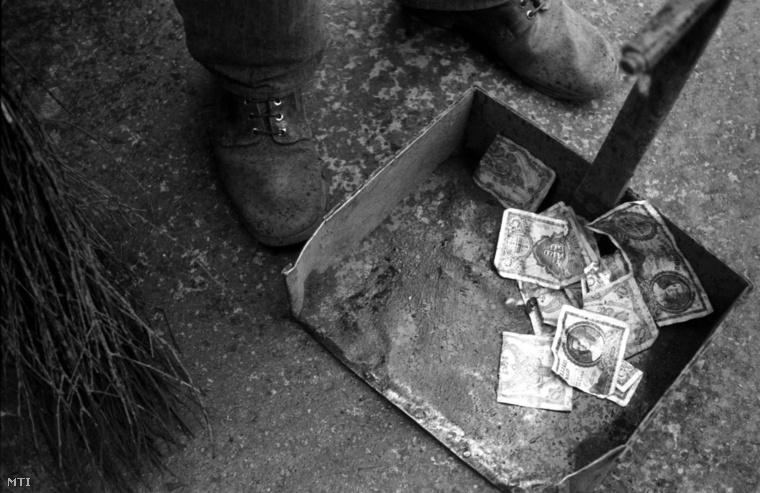 Pénzcsere anno