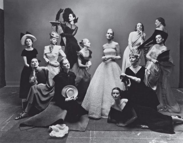 Az első címlapot még Irving Penn lőtte 1947-ben, azóta pedig csínján bánnak a népszerű koncepcióval.