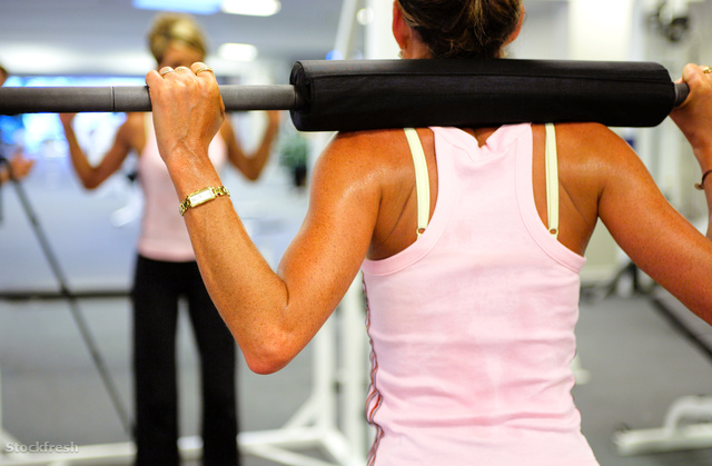 stockfresh 61742 women-weight-training-in-a-fitness-center sizeM