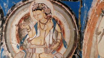 Mi közük van a szilikonmellekhez a buddhistáknak?