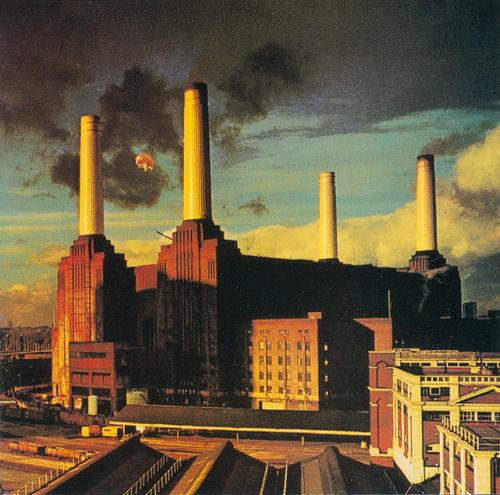 A kémények a Pink Floyd borítóján, a legendás szárnyas malaccal