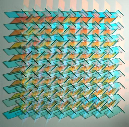 """Chris Wood színesen ragyogó háromdimenziós """"üvegszobrait"""" számos helyen kiállították az elmúlt években."""