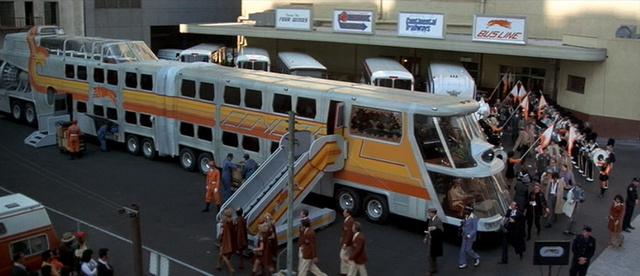 Az utasok beszállítása a Big Busba