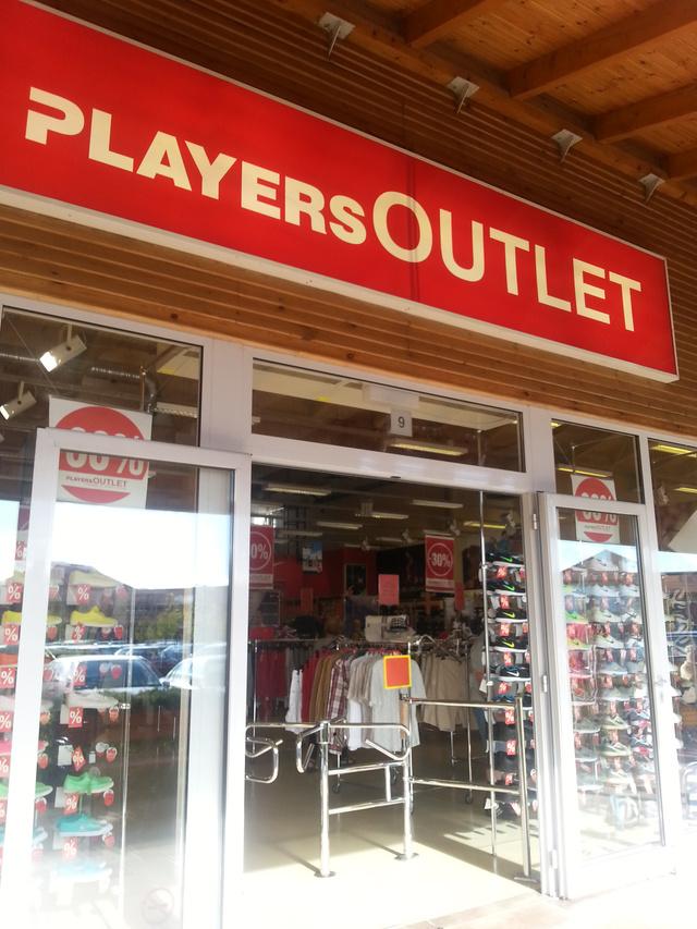 A Players Room-ban néha nagyon menő ruhákat találni, azok nem jutnak el az outletig.
