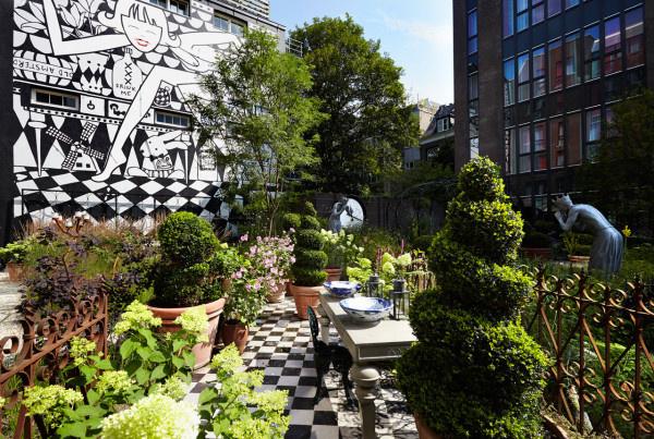 Szezonálisan még egy ilyen exkluzív kert is a vendégek rendelkezésére áll.