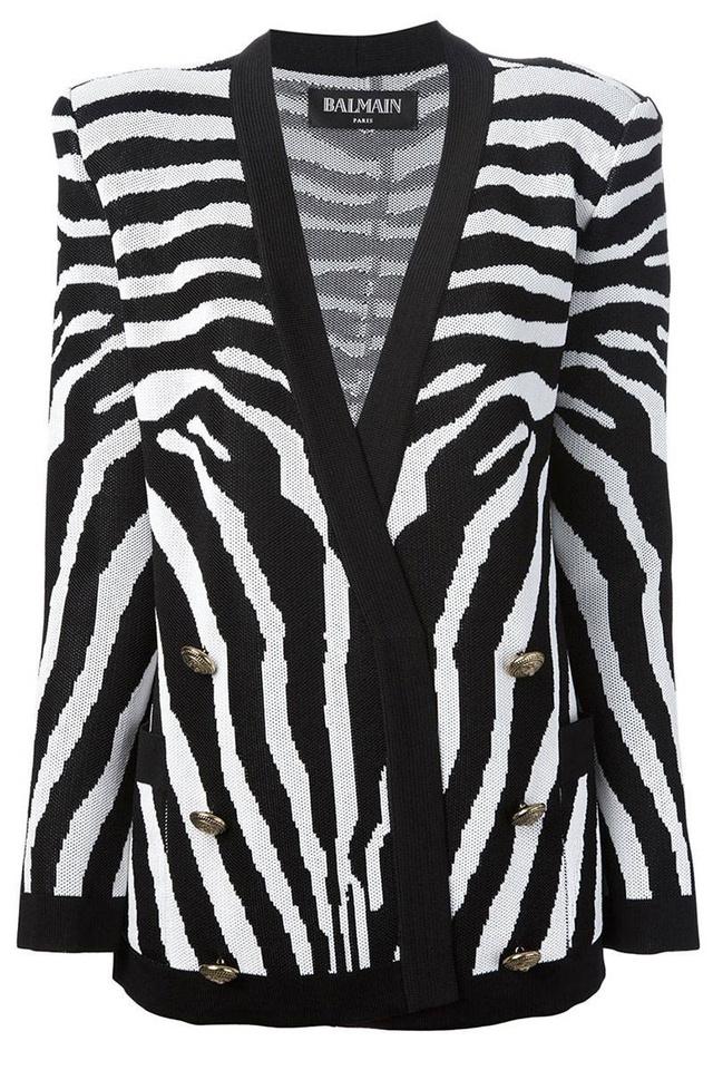 A Balmain nem tartja pofátlanságnak, hogy 2184 dollárt, 531 ezer forintot kérjen zebrás darabjáért.
