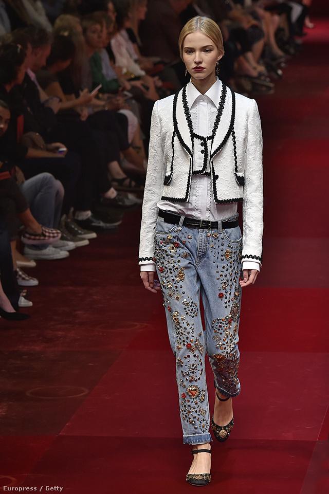 Kövekkel kivert farmernadrág a Dolce & Gabbana shown.