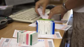 Csaknem ötszáz gyógyszer ára változik holnap
