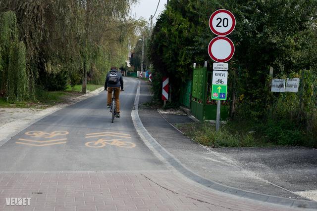 És aztán Soroksárra érve a kerékpárút is ilyen pazar lesz.