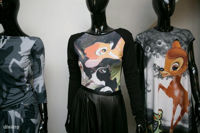 Azért hasonlít a Givenchy mintáira, mert ugyanazt a licence-t kapják meg a tervezők.