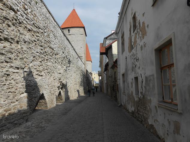 Tallinn: a gyönyörű középkori városfal