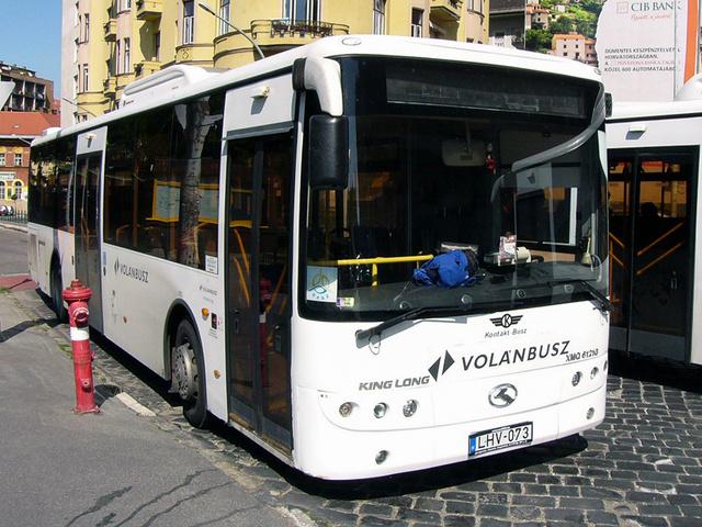 """A Kontakt-busz egyik King Longja 2012-ben. Látványosan jobb állapotban vannak, mint """"keleti"""" társai"""