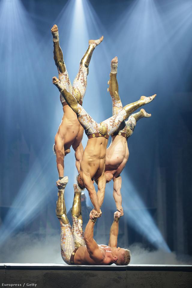 A The Wyld - Nicht von dieser Welt (Nem ebből a világból származnak) című műsor akrobatái Berlinben